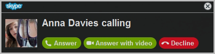 The alert window with incoming call options - Answer, Answer with video, Decline - displayed.