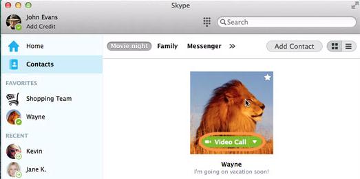 Botón Videollamada que aparece al colocar el cursor encima de la imagen de perfil de un contacto.
