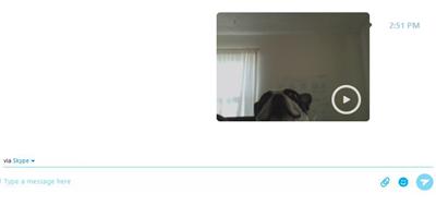 Finestra di conversazione con un videomessaggio inviato.